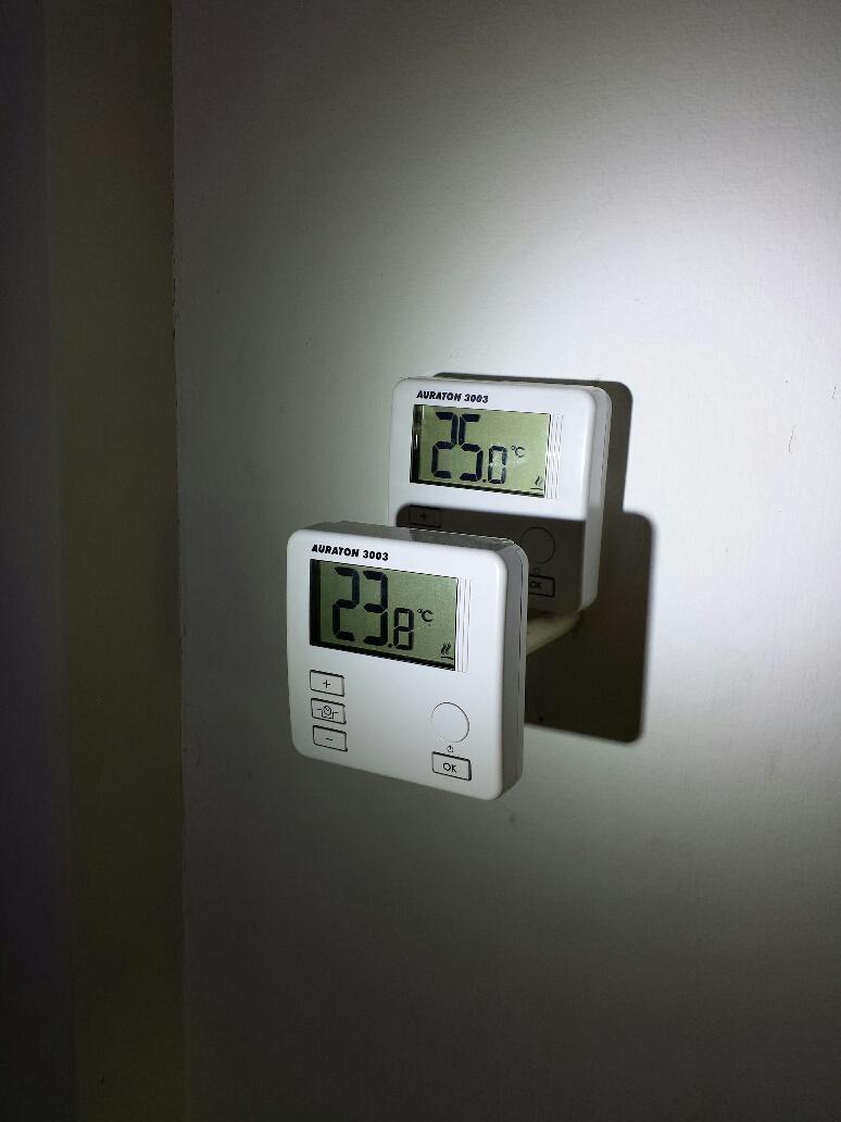 Kambario termostatas